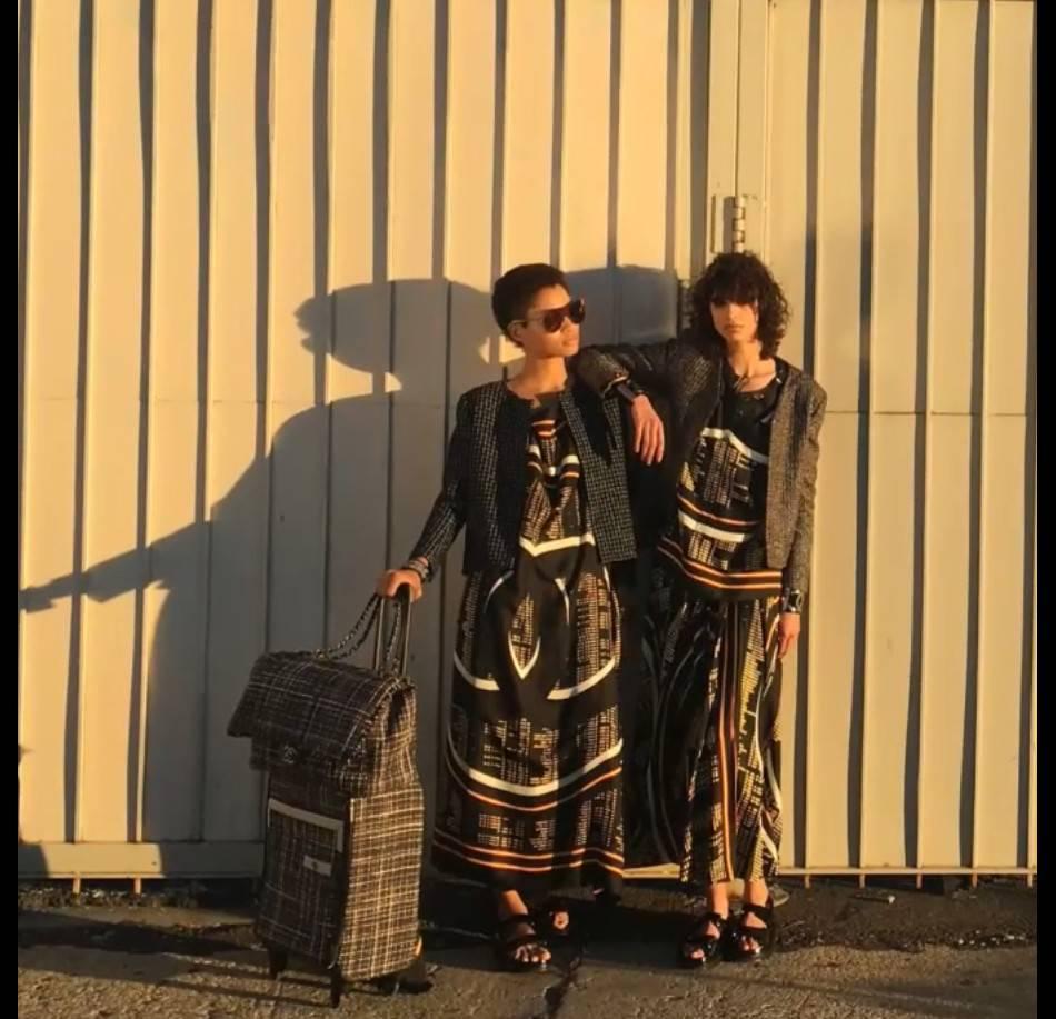 Lineisy Montero et Mica Arganaraz prennent la pose dans la campagne Chanel Printemps-Été 2016.