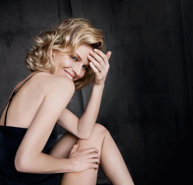 Eva Herzigova, ravissante égérie Dior, photographiée par Paolo Roversi.