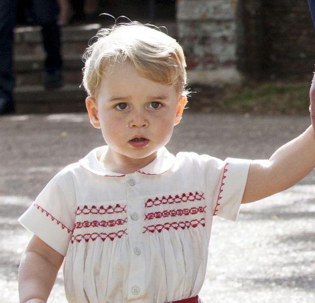 Le prince George a fait sa première rentrée à l'école.