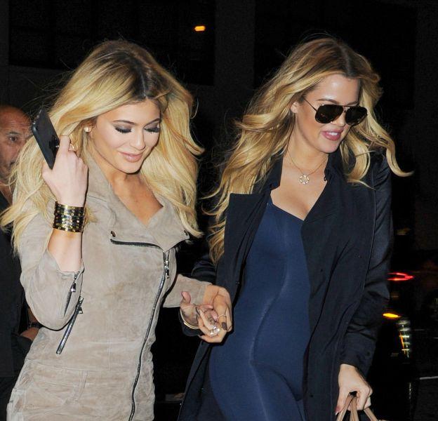Khloe Kardashian a suggéré un plan à trois à sa petite soeur Kylie.