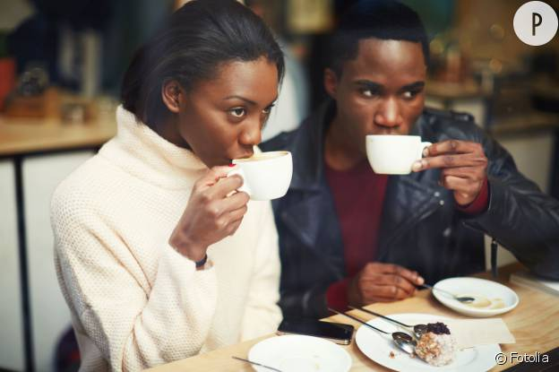 Tout allait bien jusqu'à ce que Noah conseille à sa copine d'arrêter de taper dans le gâteau. S'en est suivi un silence de mort.
