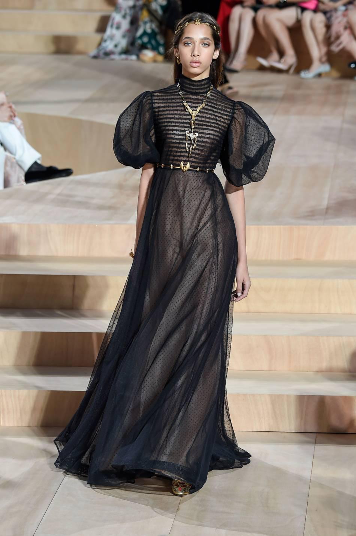 Yasmin Wijnaldum au défilé Haute Couture Automne-Hiver 2015/2016 Valentino.
