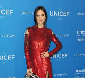 Jennifer Connelly en Louis Vuitton lors de l'UNICEF Ball honorant David Beckham le 12 janvier 2016 à Los Angeles.