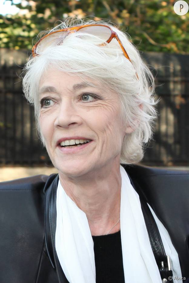 Actrice cheveux court gris