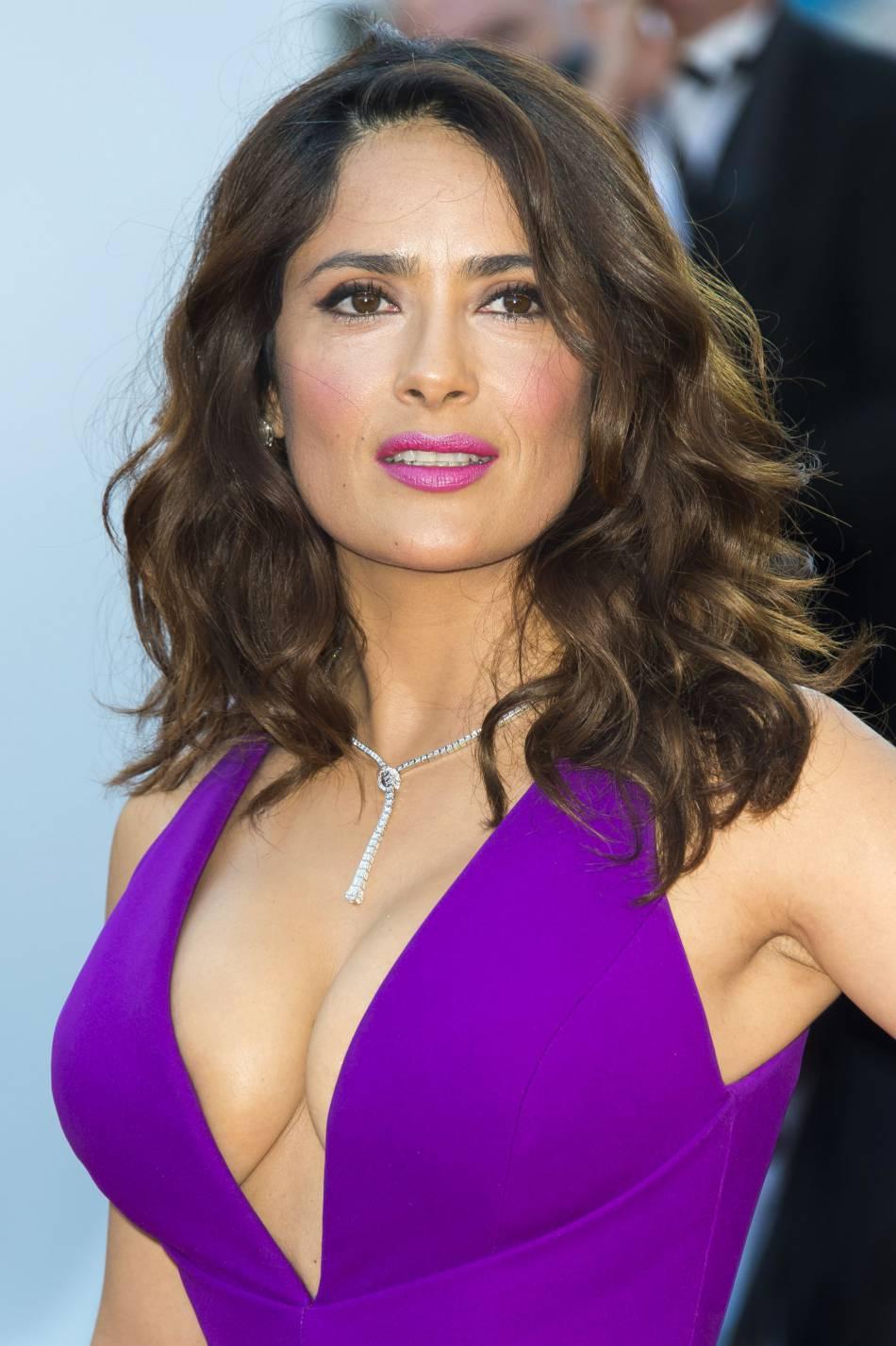 Salma Hayek nous en met plein la vue à chaque apparition. Sur Instagram, elle est tout aussi sexy.