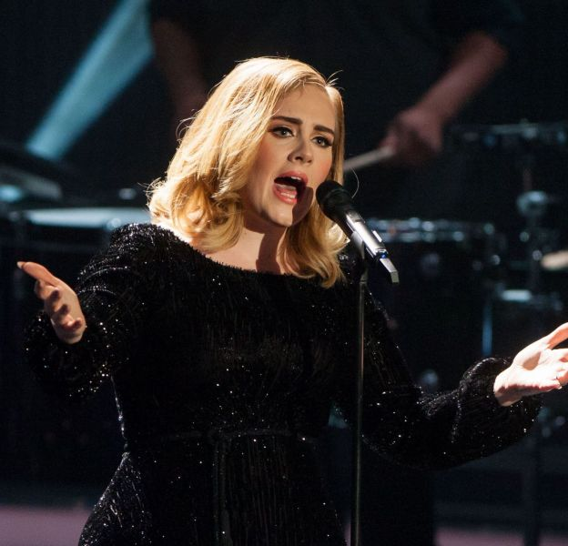 Adele a repris les Spice Girls et Nicki Minaj.
