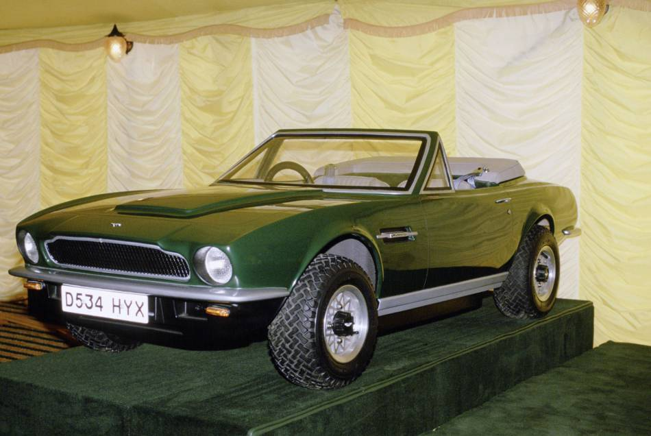 George est désormais propriétaire de sa mini Aston Martin !