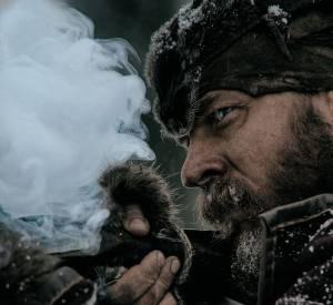 Guide pour des trappeurs dans le Grand Nord canadien, Hugh Glass (Leonardo DiCaprio) est laissé pour mort.