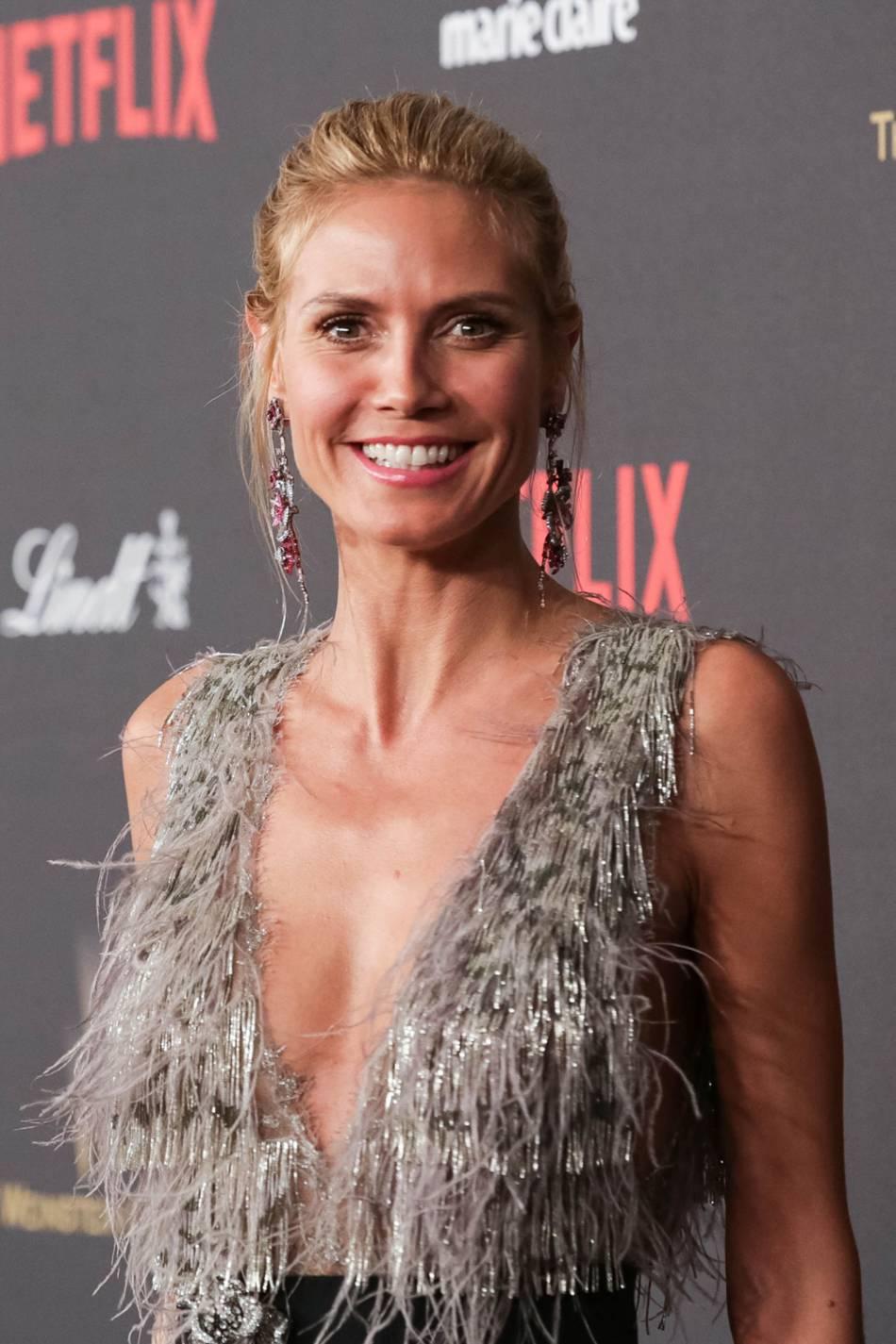 Heidi Klum affiche sa silhouette de rêve.