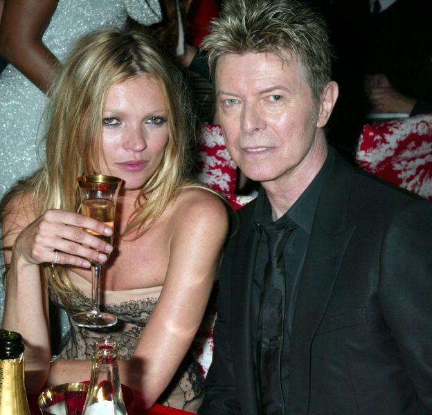 Kate Moss a décidé de rendre hommage à David Bowie lors de la soirée de son 42ème anniversaire le 16 janvier 2016.
