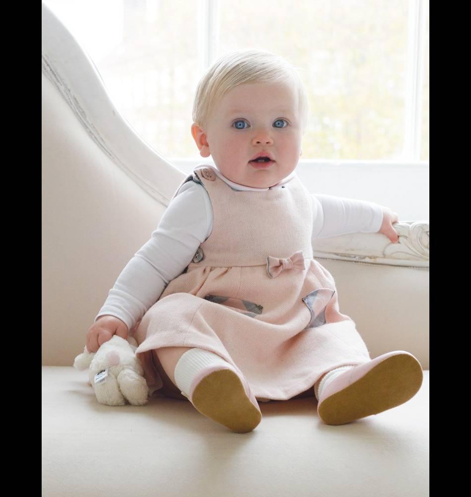 """Robe bébé chasuble Tartan rose, 105 euros issue de""""The Diana Award Collection""""."""