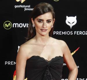 Penélope Cruz : superbe et sexy sur le tapis rouge des Feroz Awards