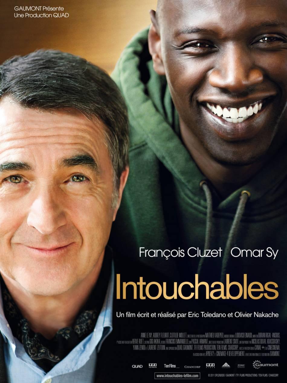 """Omar Sy joue l'aide à domicile de François Cluzet dans """"Intouchables""""."""