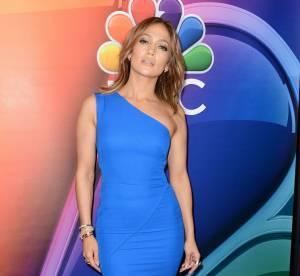 Jennifer Lopez se dévoile au naturelle et en peignoir aux côtés de ses proches