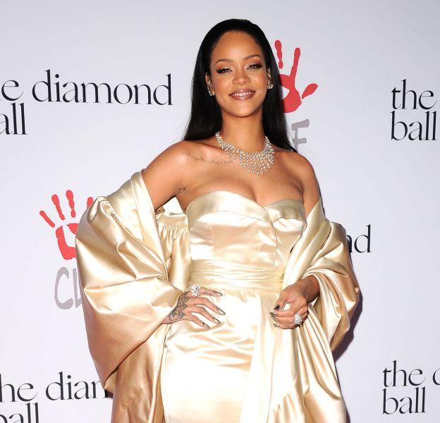 """En attendant la sortie de son album """"Anti"""", Rihanna continue de teaser ses fans."""