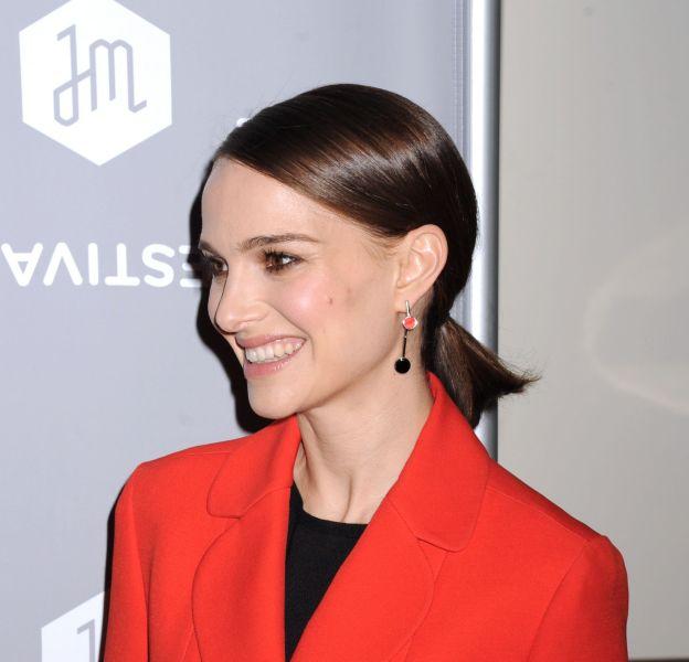 """Natalie Portman assure la promo de son film """"A tale of love and darkness"""" à New York le 26 janvier 2016."""