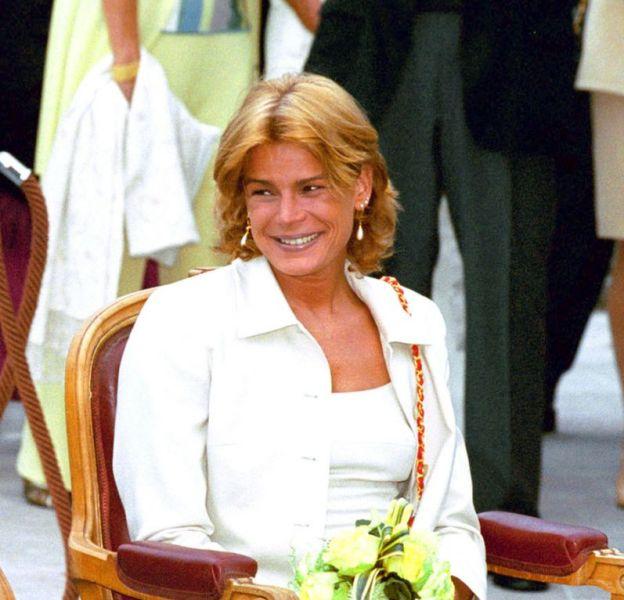 Stéphanie de Monaco et son père, le Prince Rainier III, en juillet 2000.