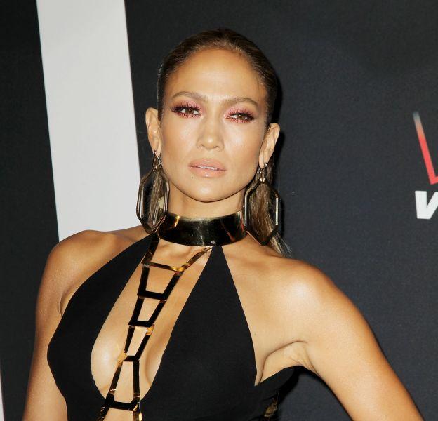 Jennifer Lopez dévoile sa mise en beauté sur son compte Instagram.