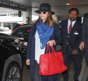 Jessica Alba : sa leçon de mode en 3 accessoires... Un look à copier !