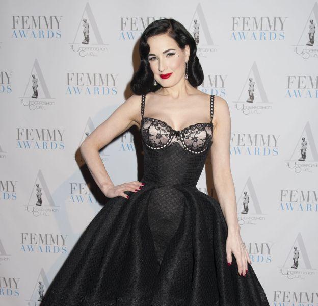 Dita Von Teese, maîtresse de cérémonie divine des Femmy Awards 2016.