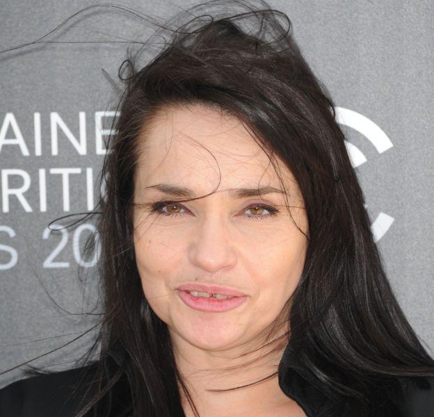 """Béatrice Dalle ne supporte plus son physique. Elle trouve que vieillir est """"épouvantable""""."""