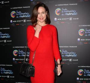 Elsa Zylberstein a pris la pose avec le sourire et un look réussi lors du 4e festival du film restauré.