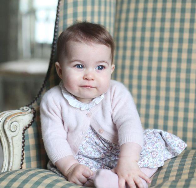 La petite Charlotte Middleton inspire un rouge à lèvres à Marc Jacobs Beauty.