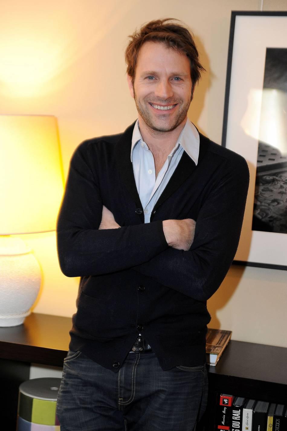 Thomas jouannet est un acteur d 39 origine suisse de 45 ans for Pere de jean dujardin