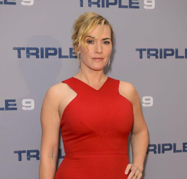 Kate Winslet, moulée dans une robe rouge, en a mis plein la vue aux photographes !