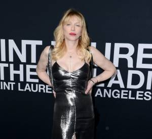 Courtney Love au défilé Saint Laurent Paris Automne-Hiver 2016/2017, à Los Angeles.
