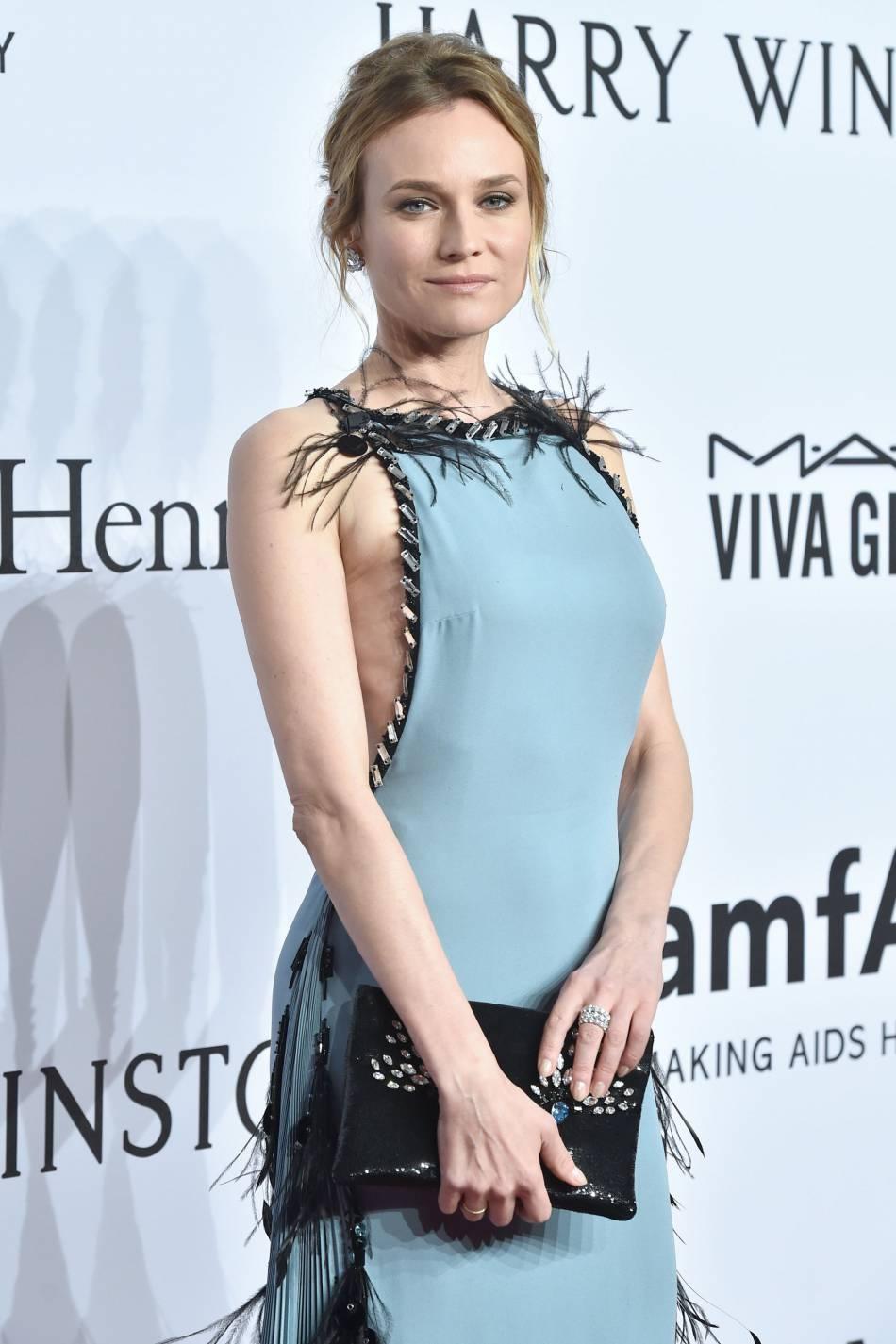 Diane Kruger, renversante au gala de l'amfAR, ce 10 février 2016.