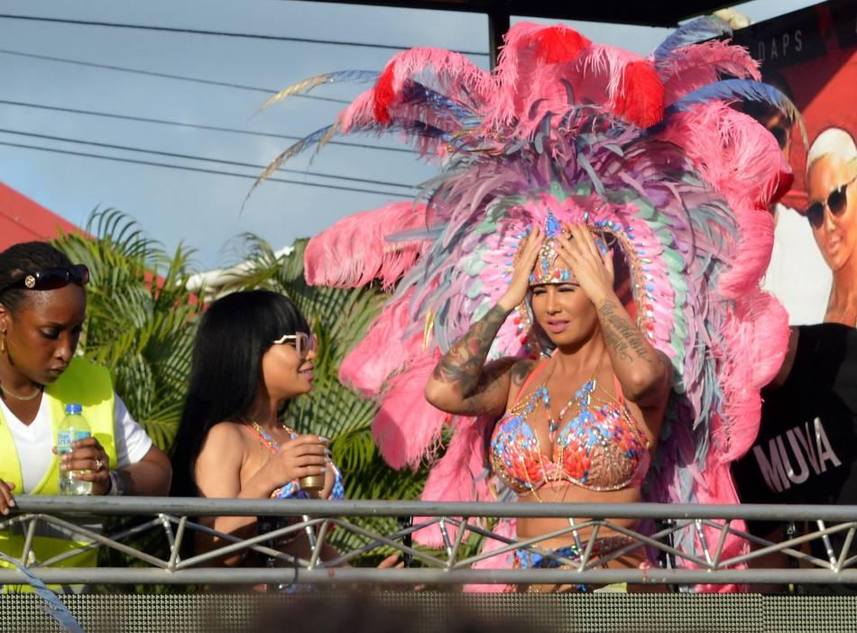 Amber Rose et Blac Chyna arbore un costume de fête pour l'occasion.