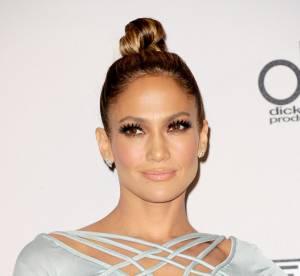 Jennifer Lopez dévoile son décolleté plongeant et affole la Toile !
