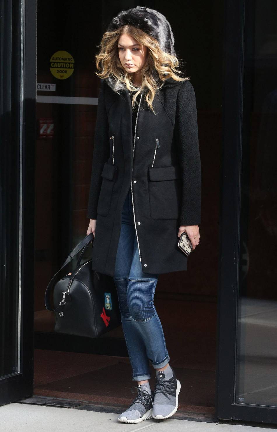 Le top  Gigi Hadid  , stylée pour affronter le froid new-yorkais
