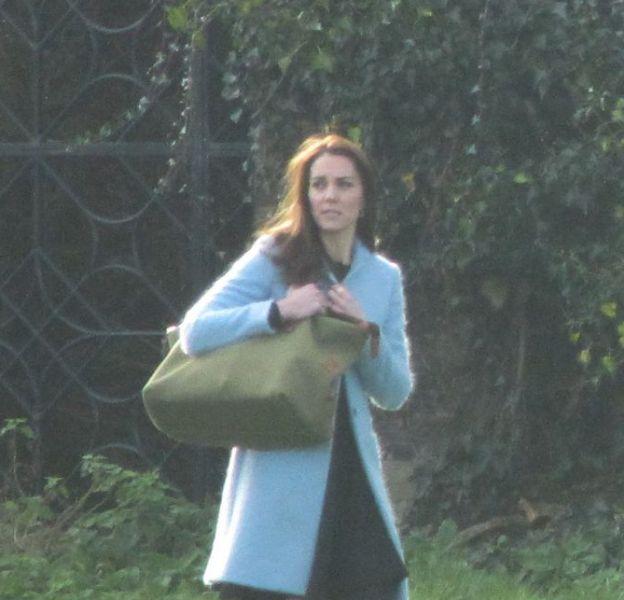 Le 7 février, c'est à bord d'un hélicoptère que Kate Middleton a effectué l'aller-retour entre Londres et sa propriété.
