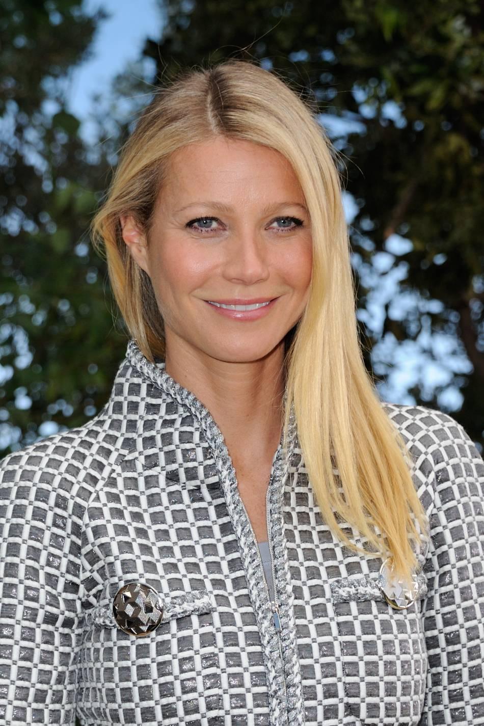 Gwyneth Paltrow est devenue spécialiste en bien-être, une spécialiste un peu borderline, prônant les detox à 300 calories par jour !