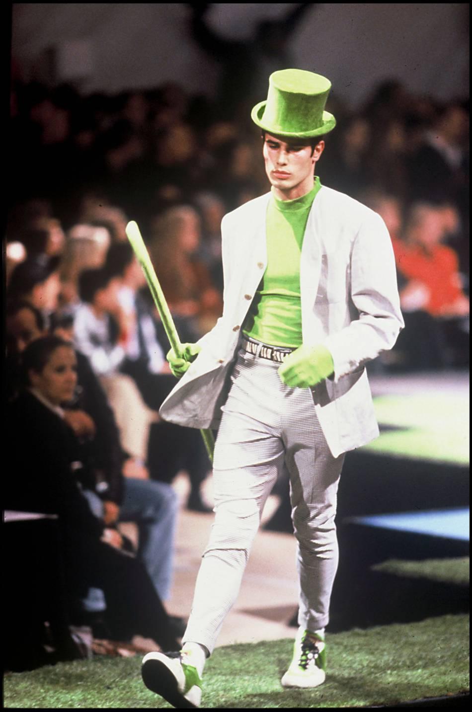 Yogi Cameron, alias Cameron Alborzian, un ancien top model ici sur le défilé printemps-été 1992 de Jean Paul Gaultier.