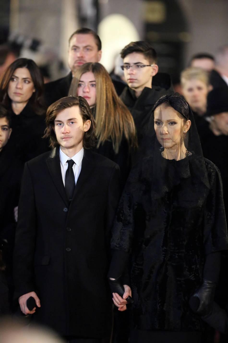 René-Charles lors des obsèques de son père René Angélil.