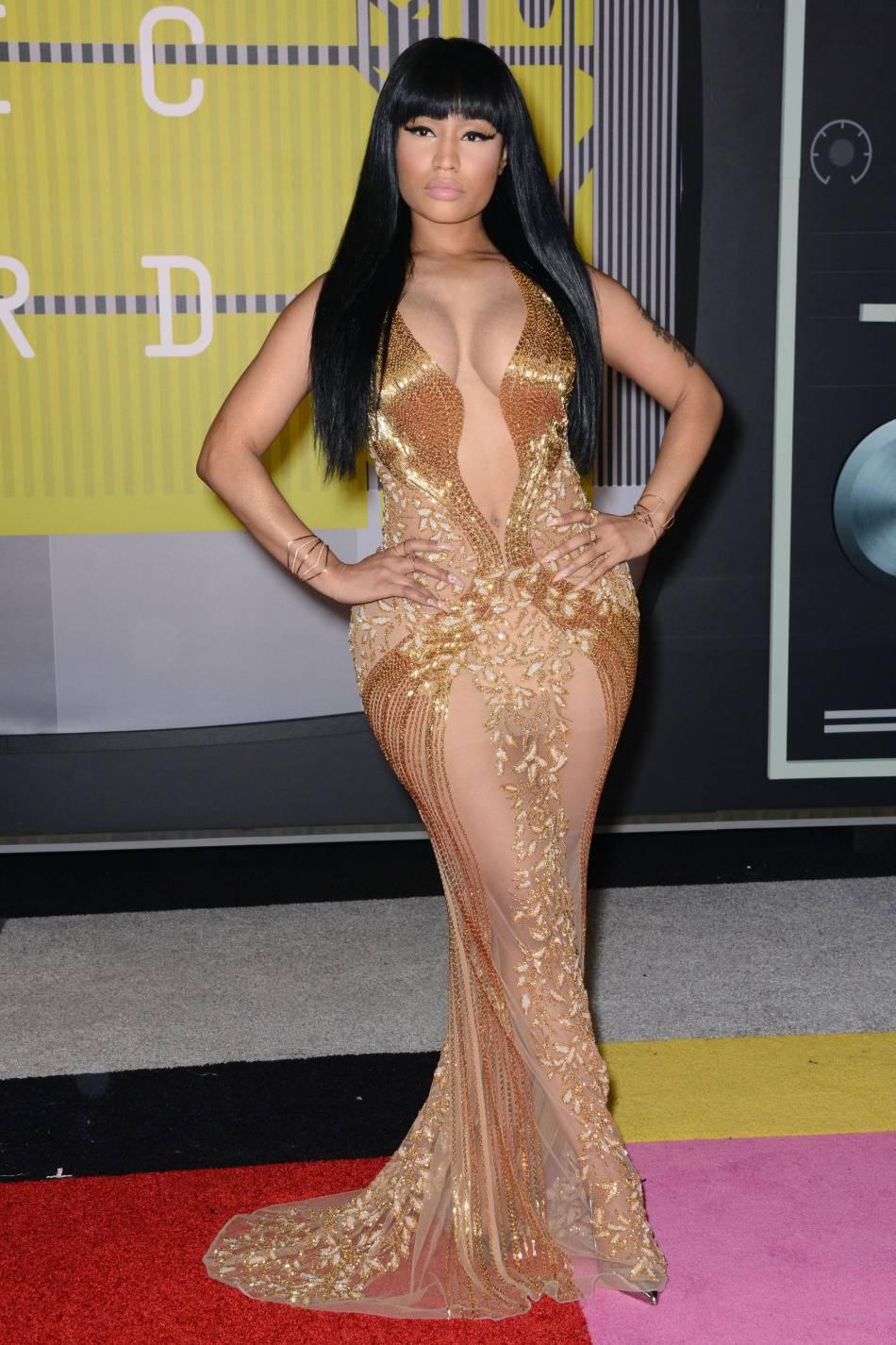 Nicki Minaj montre sa cambrure de folie et ses fesses bombées sur Instagram.
