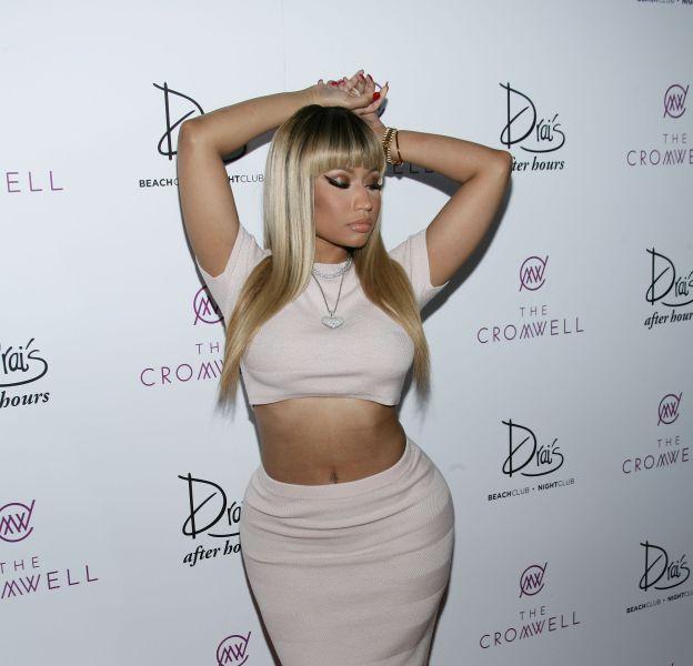 Nicki Minaj se dévoile dans un legging prêt à craquer.