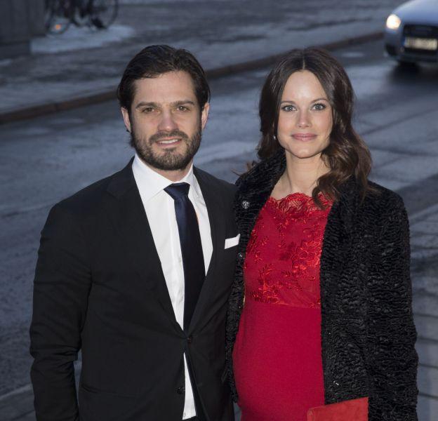 Sofia Hellqvist accouchera en avril 2016 de son premier enfant. Le couple a fait ses valises pour le pavillon du lac, près de la demeure des parents de Carl Philip.