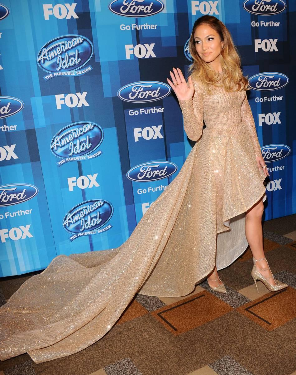 """Jennifer Lopez, jurée d'""""American Idol"""", a participé à la grande finale ce 7 avril 2016."""