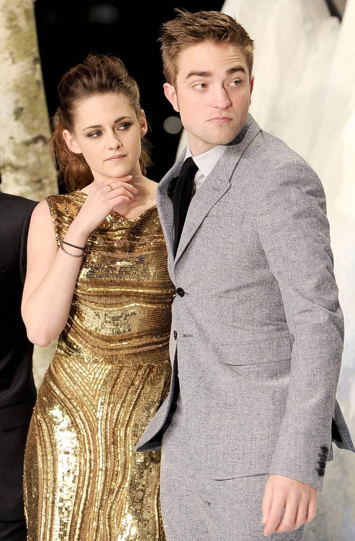 """En couple pendant plusieurs années avec son partenaire dans """"Twilight"""", Robert Pattinson, l'actrice serait désormais avec la chanteuse française Soko."""