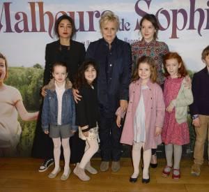"""L'équipe de film """"Les malheurs de Sophie"""" qui sortira au cinéma le 20 avril 2016."""