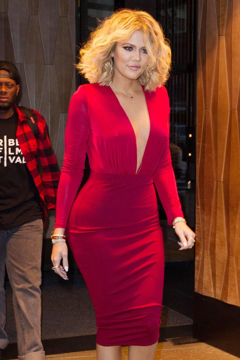 """Khloe Kardashian affiche fièrement sa silhouette ou plutôt ce qu'elle aime appeler son """"revenge body""""."""