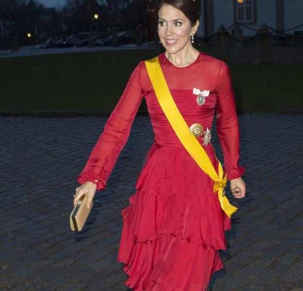 Mary de Danemark a choisi une robe à volants pour un résultat mitigé.