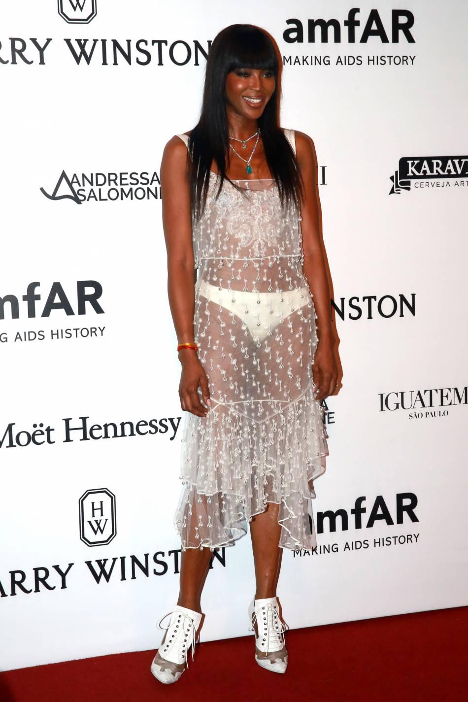 Naomi Campbell : à 45 ans, elle s'affiche dans une tenue olé olé.