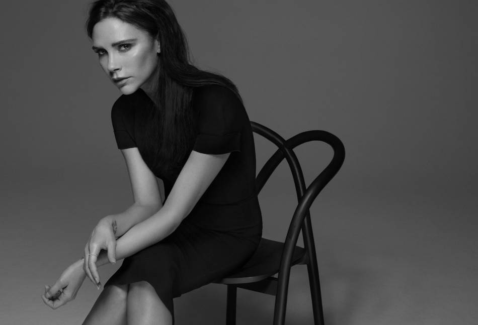 Victoria Beckham devient créatrice de maquillage pour Estée Lauder.