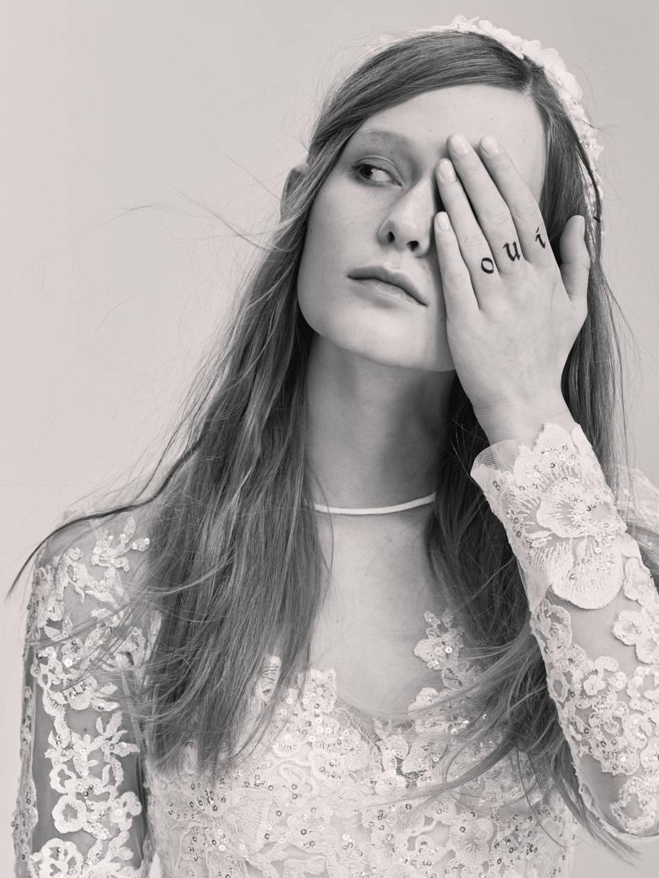le tatouage oui sur les doigts, la nouvelle alliance des filles rock