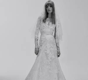 Classique mais toujours efficace, la robe longue fait le show.